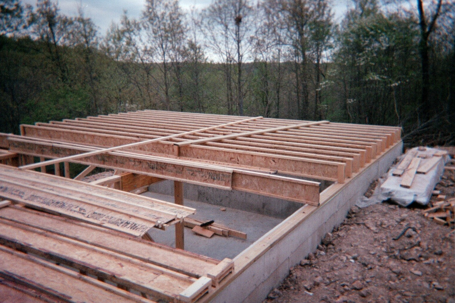 Floor joists Floor joist trusses